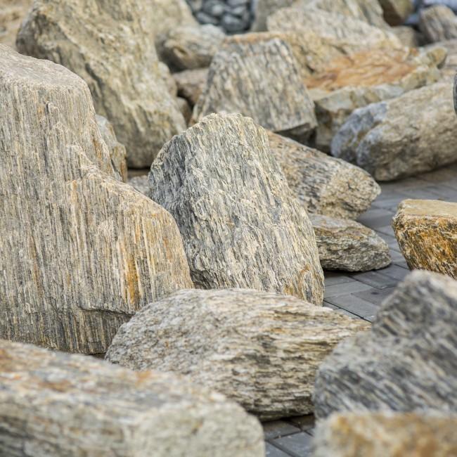 Gnejs kamień łamany